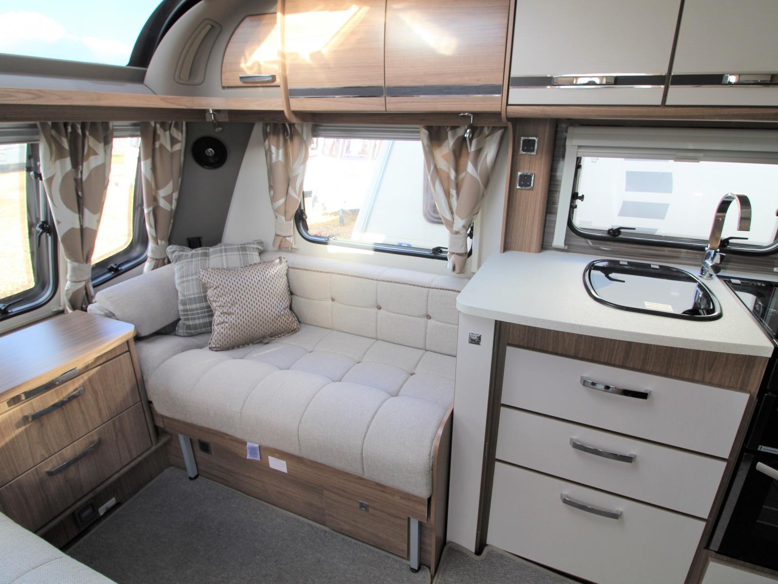 Coachman VIP 575 2016 image